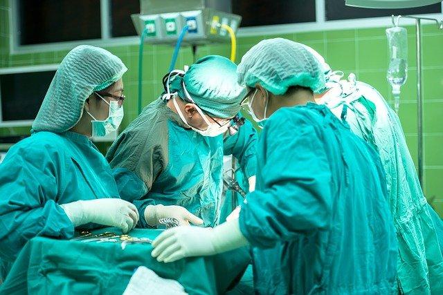 Operacja stawu biodrowego – co warto wiedzieć nim trafisz do szpitala